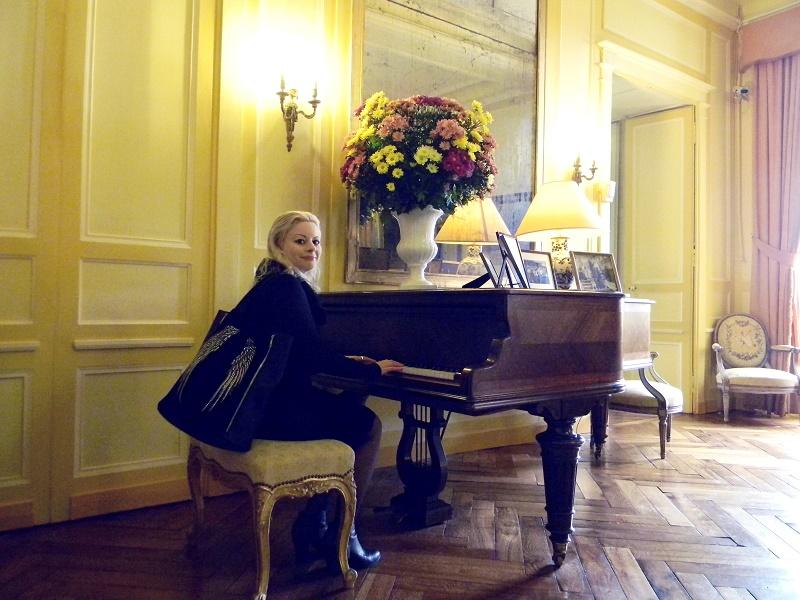 Sara at the piano